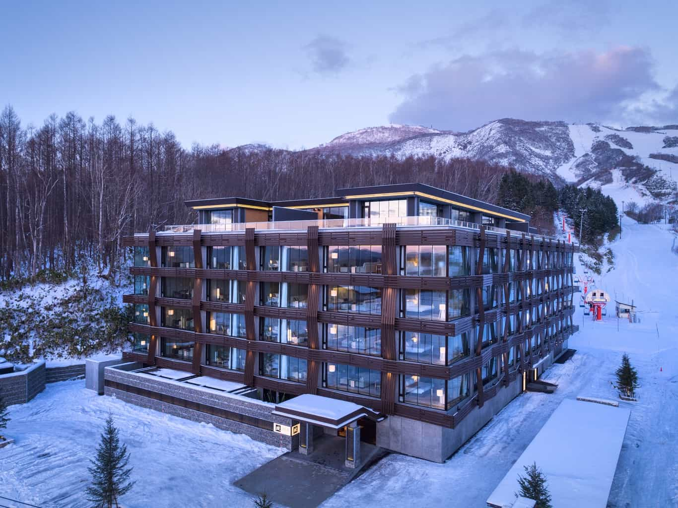 Ski-In/Ski-Out Location of Aya NIseko
